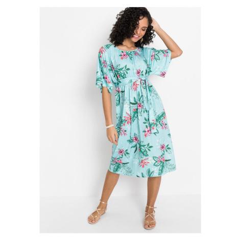Šaty s kimonovými rukávmi