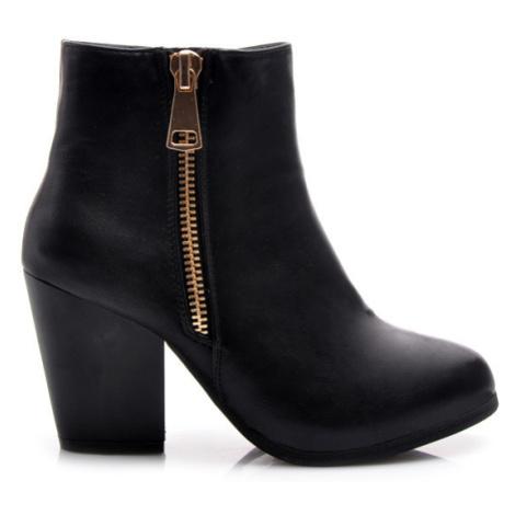 Parádne čierne členkové dámske topánky s módnym zipsom American Club