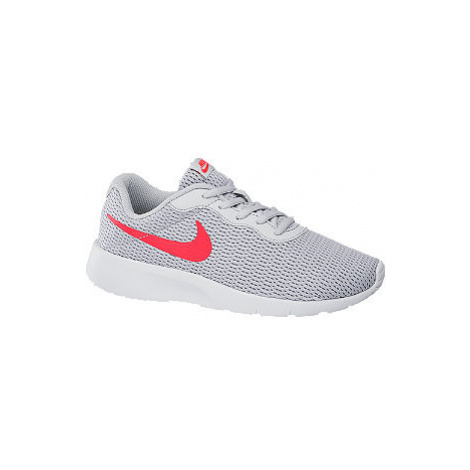 Sivé tenisky Nike Tanjun