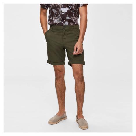 Olivové kraťasy Straight Paris Shorts Selected