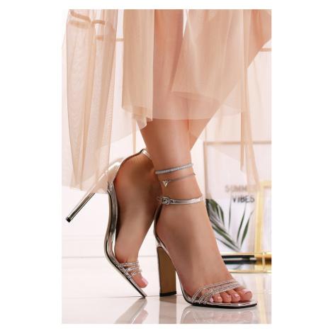 Strieborné sandále Violetta Ideal