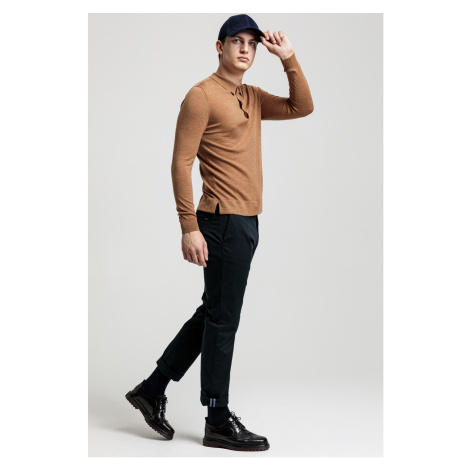 NOHAVICE GANT REGULAR TWILL CHINO