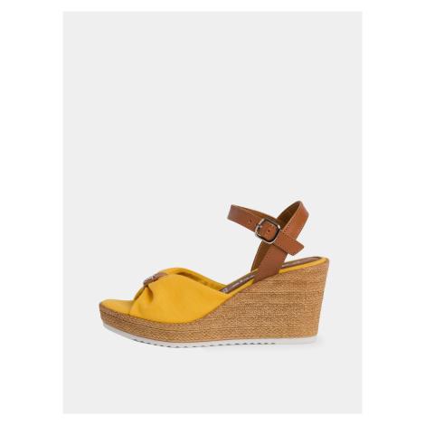 Tamaris žlté topánky na kline