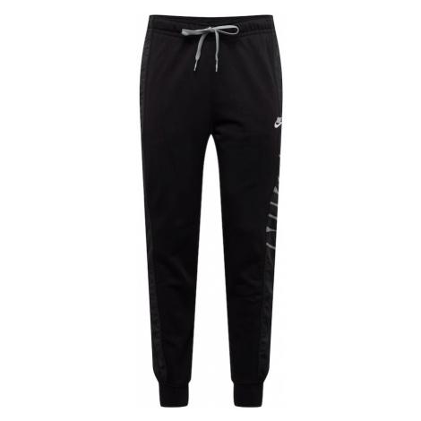 NIKE Športové nohavice  čierna