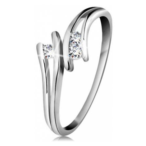 Diamantový zlatý prsteň 585, tri žiarivé číre brilianty, rozdelené ramená, biele zlato - Veľkosť