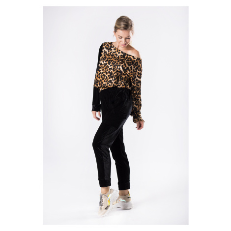 Velúrová súprava s leopardím vzorom