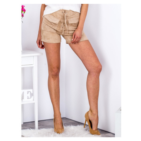 Tied beige shorts in eco suede with pockets