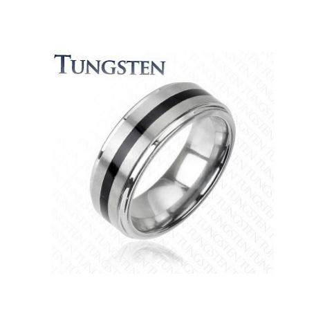 Wolfrámový prsteň striebornej farby - čierny stredový pás - Veľkosť: 69 mm