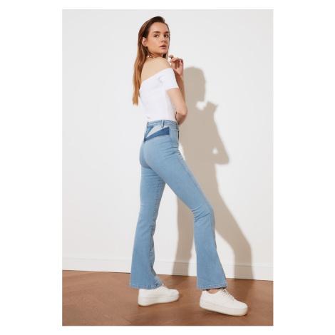 Dámske rovné džínsy Trendyol