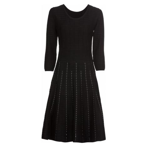 Pletené šaty s pásikovaným dizajnom bonprix