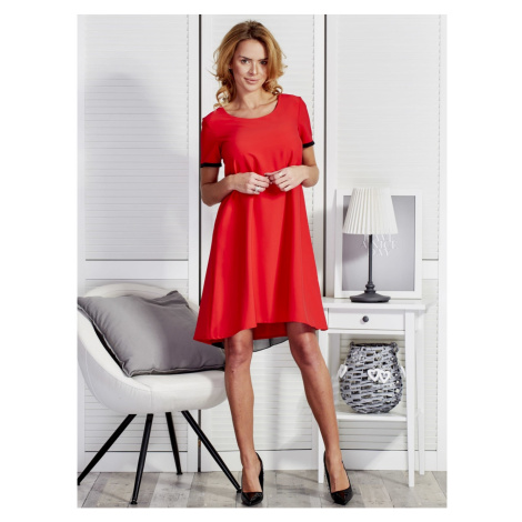 Smooth red dress in a trapezoidal cut with a tulle insert at the back