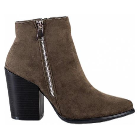 Khaki semišové členkové topánky na podpätku MARQUIZ