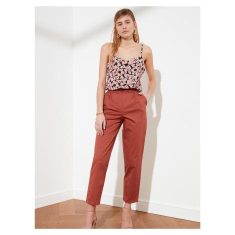 Tehlové skrátené nohavice Trendyol