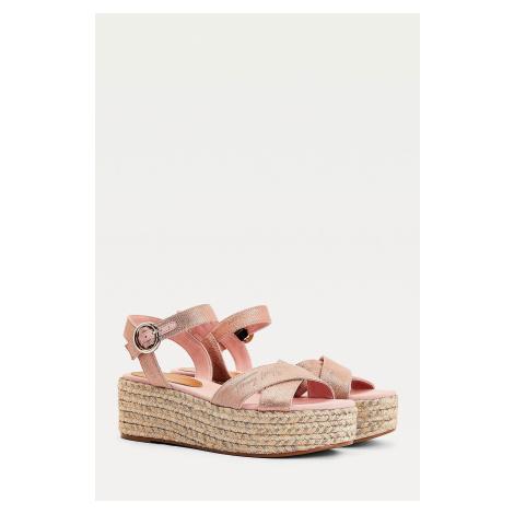 Tommy Hilfiger sandále na kline dámske - ružové Veľkosť: 41