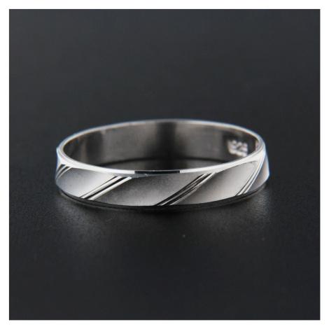 Strieborný prsteň 13829