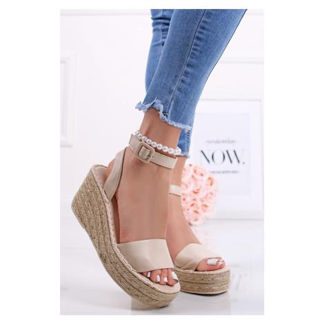 Béžové platformové sandále Betsy Bestelle