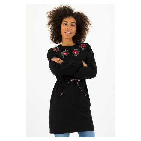 Blutsgeschwister čierne mikinové šaty Jet Black s výšivkami
