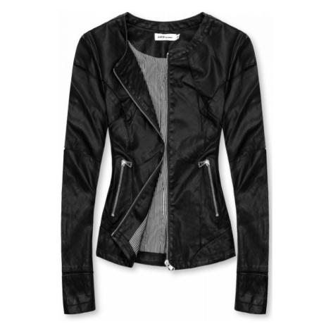 Basic koženka v čiernej farbe